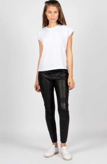 lederhose jelmoli - Modetrends Herbst 2020: Diese Kleidungsstücke sind ein Muss in Ihrer Garderorbe