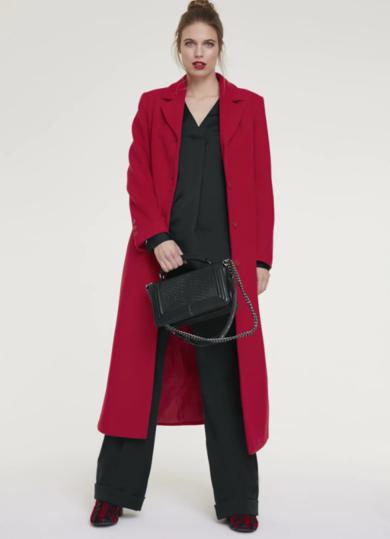 roter mantel - Modetrends Herbst 2020: Diese Kleidungsstücke sind ein Muss in Ihrer Garderorbe